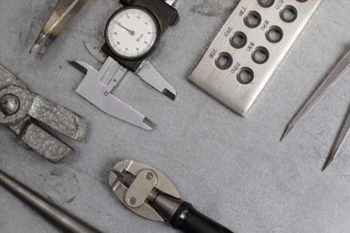 A snapshot of various tools used to measure diamond dimensions - diamond exchange cash