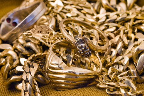 A pile of jewelry - cash for gold jewelry store