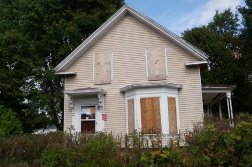 A fixer upper house for sale - cash for house fast